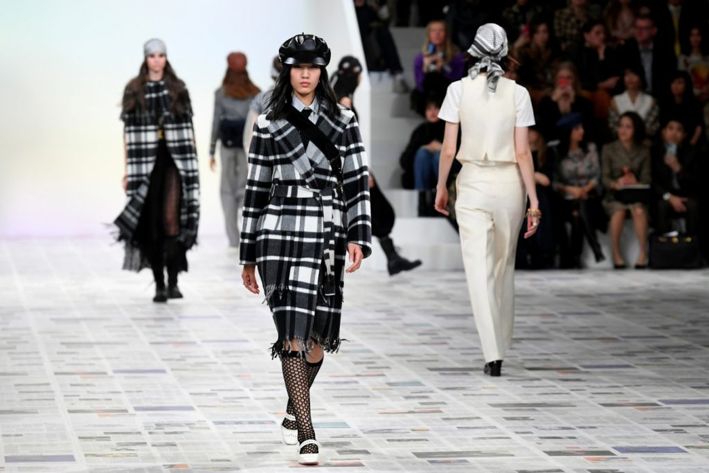 Christian Dior Brings Back 1970s Look at Paris Fashion Week